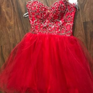 NEVER WORN BEFORE red, tooled homecoming dress
